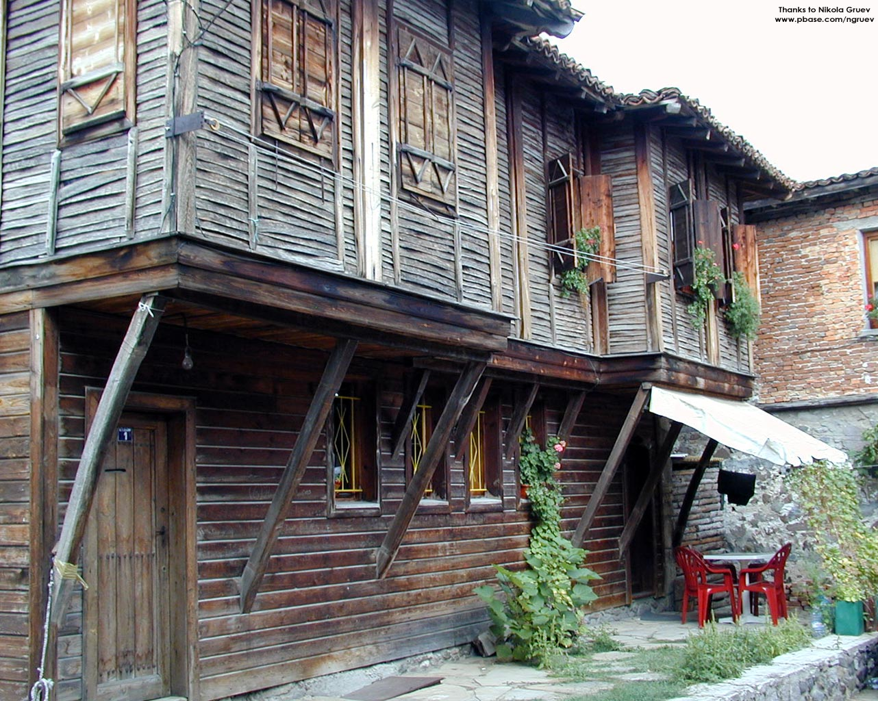 Old town of sozopol town of sozopol for Old traditional houses